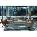 Křeslo Kent od značky Zanotta je zařazeno v katalogu již od roku 2013 a stále se těší velké oblibě. Toto relaxační křeslo přímo láká svou pohodlností a jednoduchou elegancí a je krásným designovým doplňkem do každého obývacího pokoje.