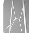 Stolek Emil od značky Zanotta vyniká svým designovým provedením. Promyšlená struktura vypadá jednoduše, při tom je v ní propracovaný každý detail. Stolek má pouhé 3mm tenkou desku a kovové nohy, spojené drátovými uzly. Unikátní design dostal také dřevěnou