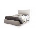 postel s čalouněným čelem