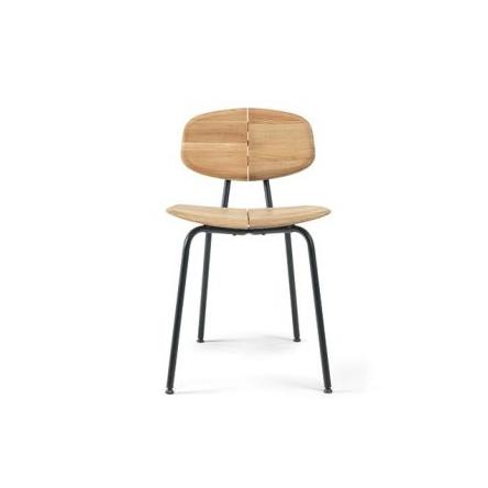 židle ze dřeva